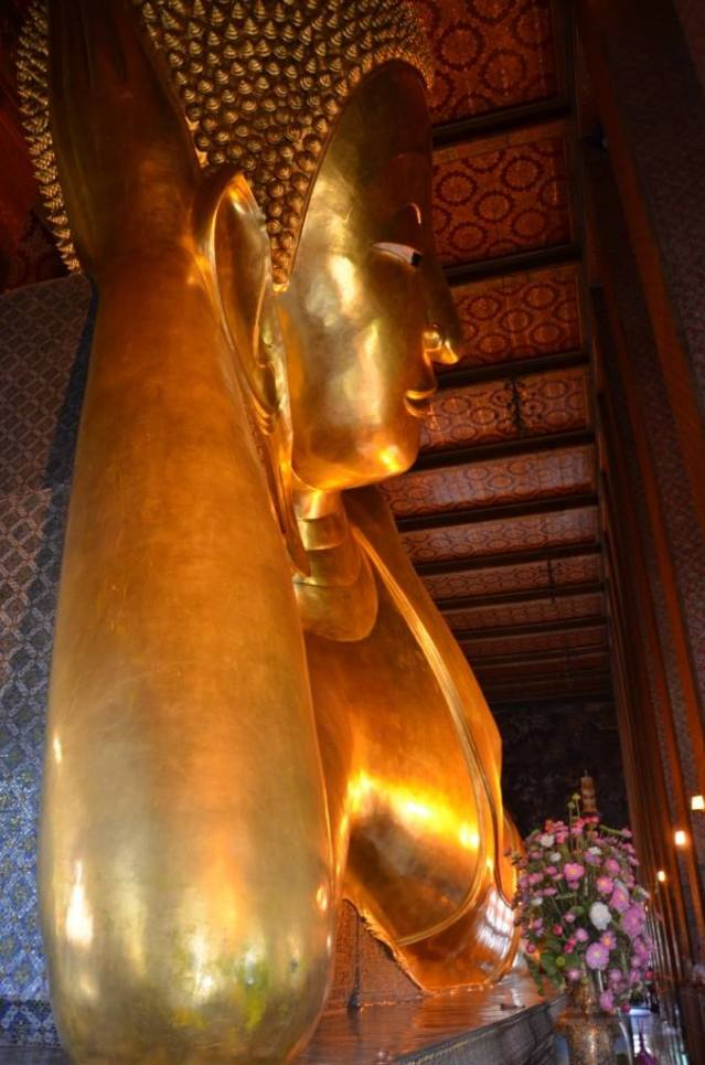 Wat Po..the reclining Buddha