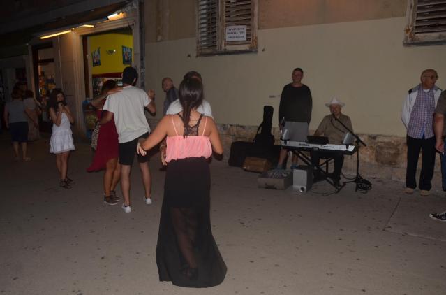 Random dancing in the streets of Pula