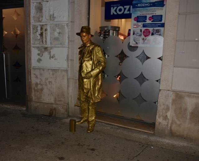 Golden statue man