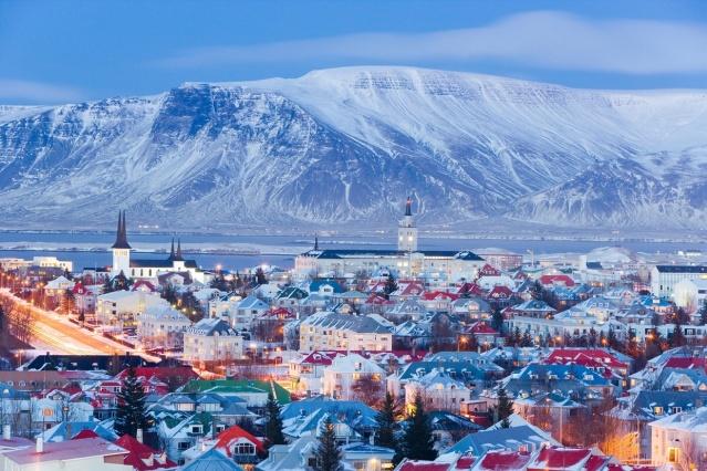 Christmas in Reyjavik, Iceland (Credit: Conscious lifestyle magazine Iceland)