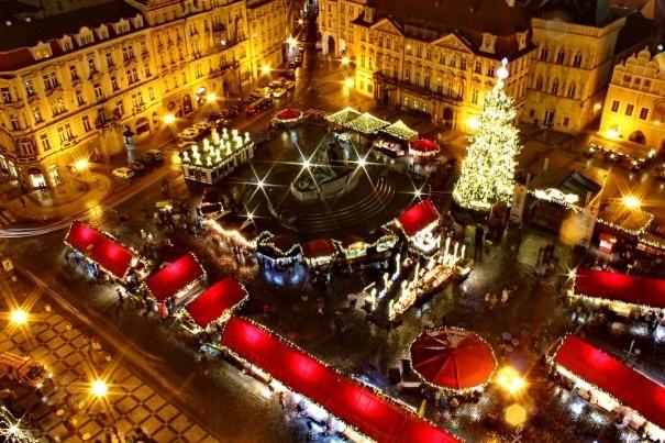 Prague Christmas market (Credit: hotelsclubblog)