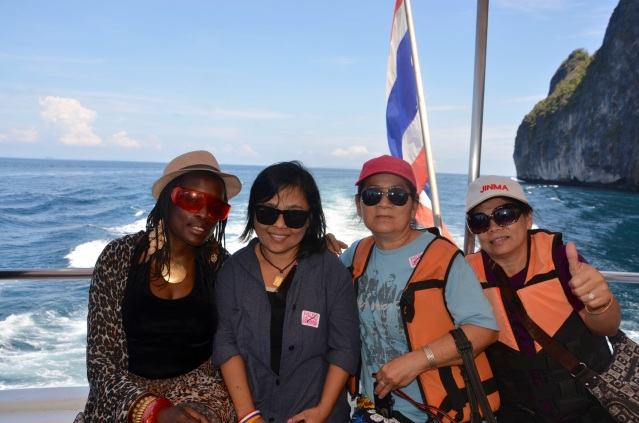 Island hopping with friendly thai ladies.